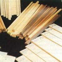 Listón de balsa triangular de 1 mt. de largo - Listón de balsa triangular de 1 mt. de largo y diversas secciones