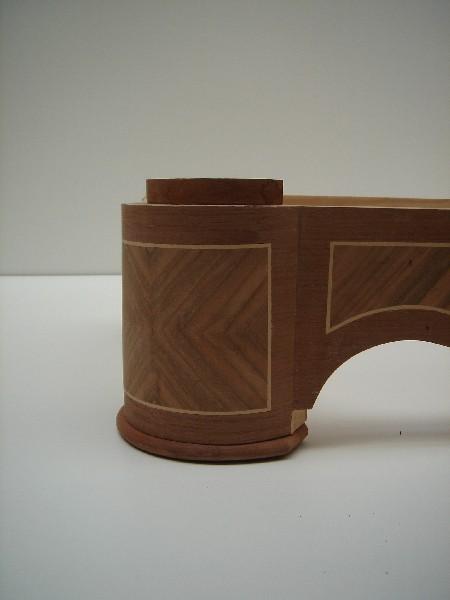 Reproducción de una peana de mueble - Reproducción de una peana de un mueble, a partir de un original deteriorado.