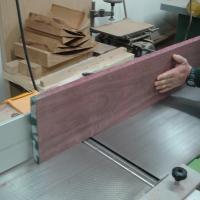 Regruesado / cepillado - Con éste proceso se preparan las caras de una pieza de madera maciza