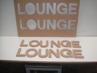 Rotulo Lounge - Fresado de letras sobre tablero para rótulo.
